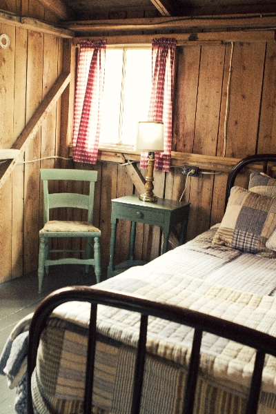Fox Cabin Bedroom