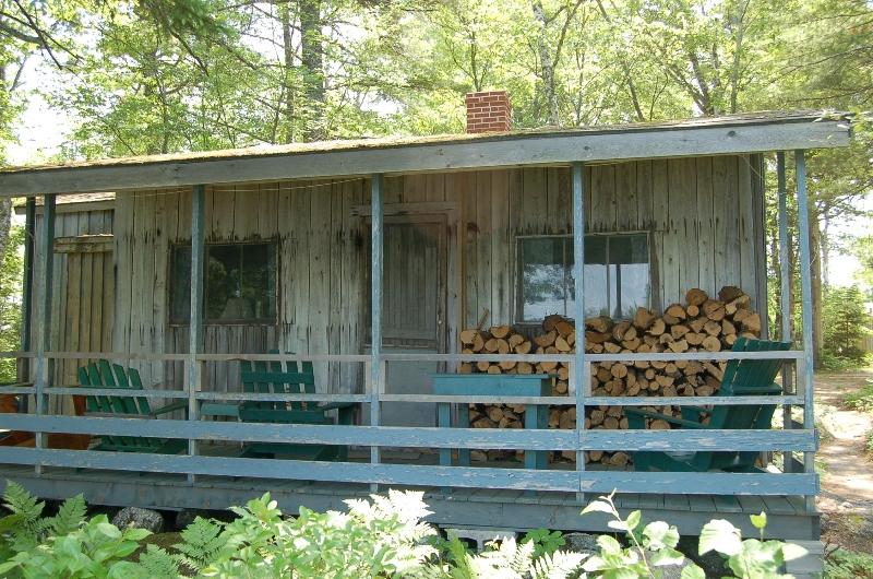 Fox Cabin private deck